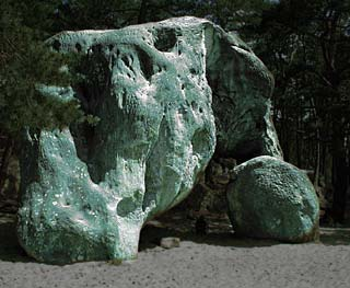 le elephant - bizarre rock in Fontainebleau